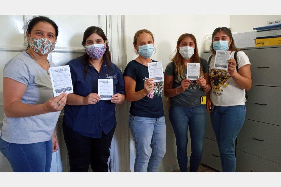 Avanza el plan de vacunación con el personal de los Centros de Salud