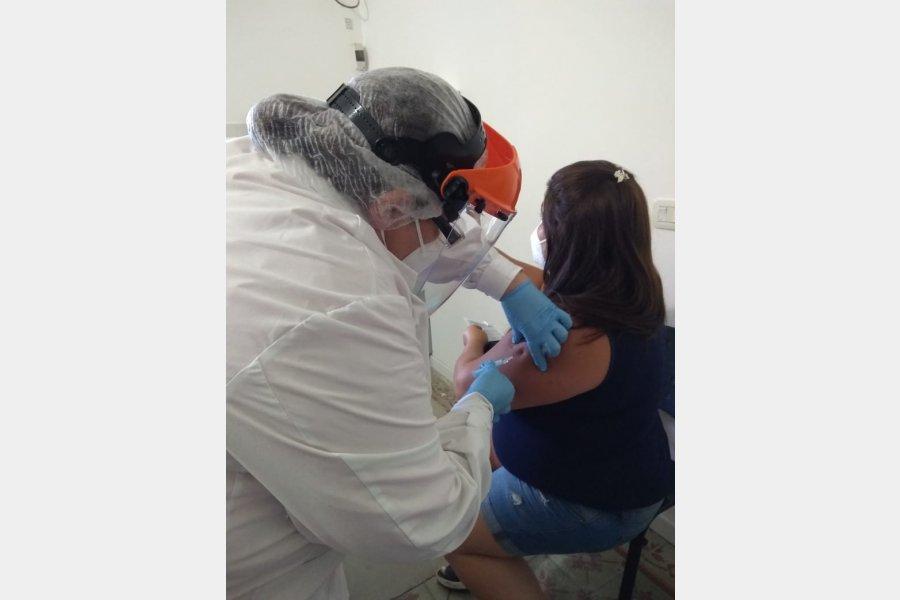 A partir del lunes al mediodía se podrá inscribir al registro para la vacunación contra el Covid-19