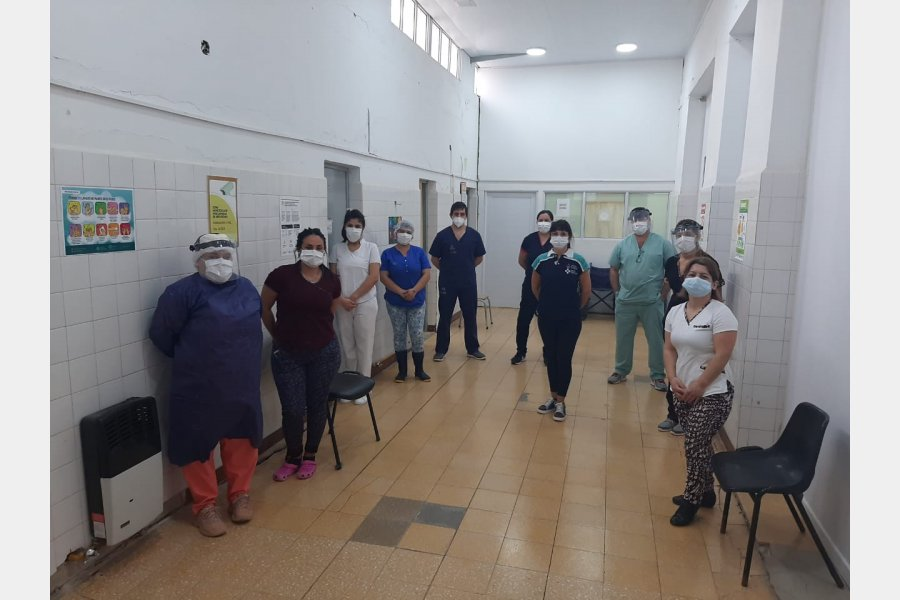 En la primera línea: El personal de salud que a diario trabaja con el Covid-19